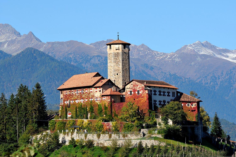 Il Trenino dei Castelli del Trentino - Val di Non - Trentino