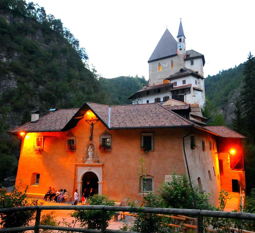 Chalet Tovel - Val di Non - Santuario San Romedio